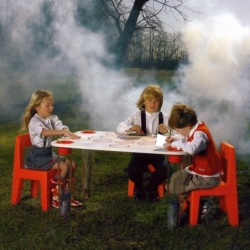 LITTLE FLARE uni Table - Table & Desk - Child - Silvera Uk
